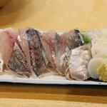 魚三酒場 - あじ刺
