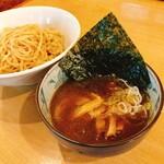 ホルモン 良ちゃん - ランチタイム限定 煮干しつけ麺 780円