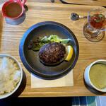 肉ばたけ - 京都牛100ハンバーグ(180g)(¥1200)