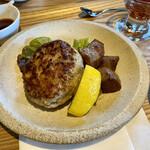 肉ばたけ - 京都ぽーく100%ハンバーグ(150g)と京都牛サイコロステーキ(50g)(¥1700)