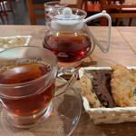 ステラおばさんのクッキー - ホットクッキーセット♬*゜ドリンクは紅茶にしました。