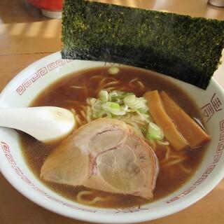 あかふじ - 料理写真:醤油ラーメン600円