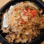 焼きそばのまるしょう - 太麺まるしょう特製ソース焼きそば並+目玉焼き