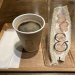 &CAFE - 越後姫サンドとコーヒー