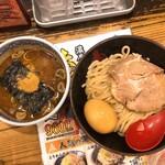 三田製麺所 - 味付玉子とチャーシューつけ麺(990円)
