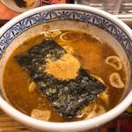三田製麺所 - スープはちょっと濃い