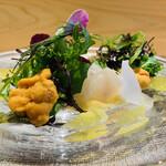 144587192 - 【前菜1】                         魚島産ヒラメ+マダコとウニのサラダ仕立て、フェンネルのコンポート、カラマンシー(柑橘類)のドレッシング