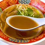 フードスタジアム - 醤油ラーメンのスープ