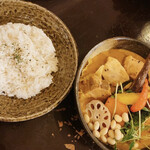 Rojiura Curry SAMURAI. - 【2021/1】豚角煮と野菜