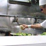 長崎飯店 - 大きな中華鍋で大量生産