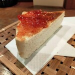 南珈琲店 - 分厚いトーストは焼き立てカリカリ、バターかジャムを選択します