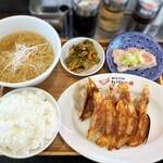 Gyozanoikkyuu - しそ餃子定食
