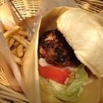 Hamburger Cafe UNICO - ラムバーガー1200円