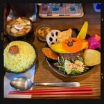 TAKEUCHI - 煮込みハンバーグカレー膳 850円