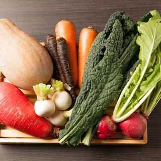 契約農家から直送の野菜は、心にも身体にも優しい美味しさです