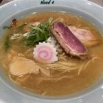 餃子と〆の店 Nood e - 鶏と鴨の樽熟成しょうゆラーメン