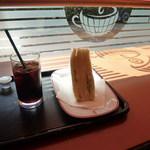 カフェ・ベローチェ - アイスコーヒーとタマゴサンド