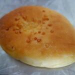 パンやきどころ RIKI - .....②クリームパン.....