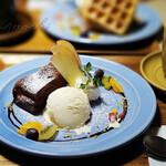 バウハウスカフェ - 料理写真:ガトーショコラ