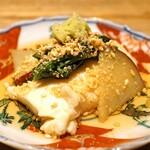 """創和堂 - 付き出し  いつも出される豆乳と葛粉で作った """"呉豆腐"""" と旬菜のおひたし"""