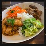 kare-raisudhiran - チキンとポークのハーフ&ハーフ 980円