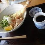 14467282 - 天おろし蕎麦(1300円)  ちょっと麺少なくない?><