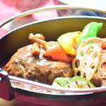 奥琵琶湖マキノ グランドパークホテル レストラン竹生 - 近江牛煮込みハンバーグ定食