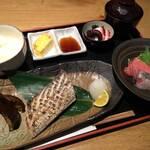 原始焼き魚と刺身刺身定食