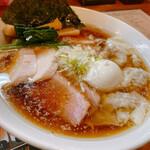 鳴馬良 - 料理写真:鴨だし醤油  ワンタンチャーシュー麺 味玉トッピング