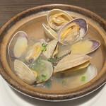 釧路ふく亭 櫂梯楼 - 浅蜊の酒蒸し(税別680円) 化学的な味わい(>_<)