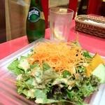 モチスパ - セットのサラダ。