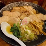 無庵 - 中華そば醤油味に、超厚切り網焼きチャーシュートッピング