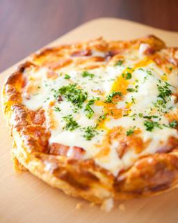 ペスカ - 『トロトロ半熟卵の折り畳みパイ』