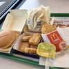 マクドナルド - 料理写真:フィレオフィッシュ、マックナゲット。 カミさんはチキンクリスプマフィンセット。