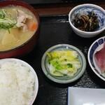 海鮮と地酒の店 ま心 - とん汁定食