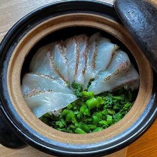 生米から炊く!【土鍋ご飯】
