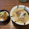 Motsunoya - 料理写真:塩もつそば+牛すじ丼