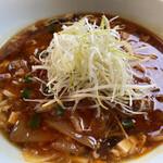144730807 - 酸辣タンタンメン                       見た目、豆腐などが入っていて酸辣湯麺…                       でも勝浦タンタンメン!