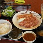 焼肉レストラン 鶴松 - 料理写真:鶴松ハラミ定食 200グラム