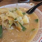 永楽 - しゃきしゃき野菜が美味しい、昔ながらの味噌ラーメン。