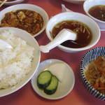 きりん - ご飯大盛り(小鉢・スープ付)