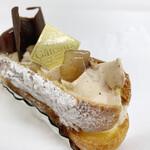 ラ・リーマ - マロリーナ(マロンクリームとカスタードクリームのシュークリーム)