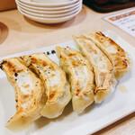 日本橋焼餃子 - 晩酌セット680円の焼餃子