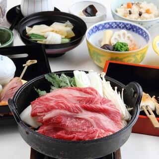 メインの肉料理を選べる!「嵐山コース」がおすすめです!