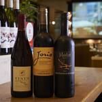 ル リール  - 各国のワインを豊富に取り揃えております。