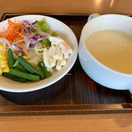 レストラン 彩巴 - スープとサラダ
