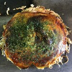お好み焼き キミッツ - お好み焼きのニラそば、辛口そばのハーフ&ハーフ。