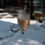 オーベルジュ ド プリマヴェーラ - 着席して薦められるシャンパン