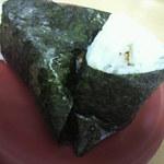 味一 2号店 - おにぎり2個 190円 (昆布と鮭)
