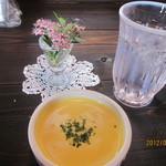 椿屋珈琲店 - 料理写真:かぼちゃのポタージュ